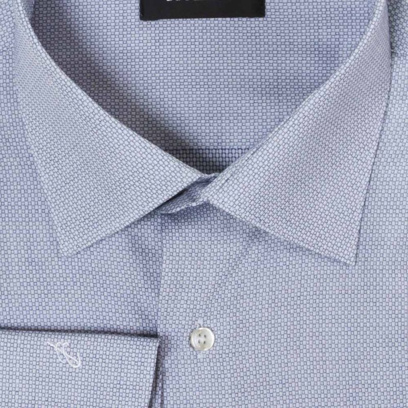 Рубашка голубая в клетку неприталенная