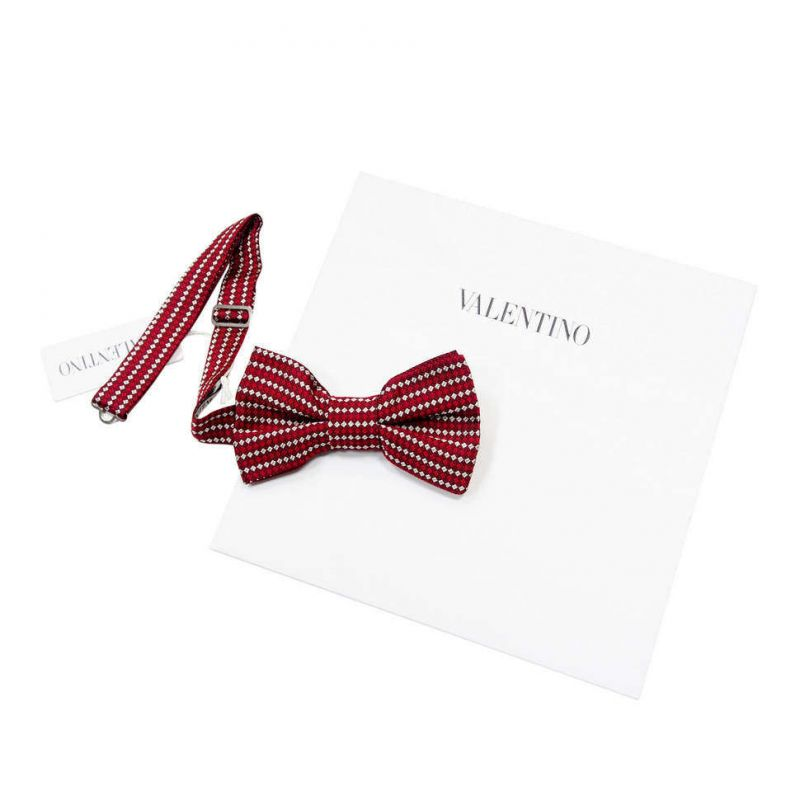 Красная бабочка Valentino в клетку