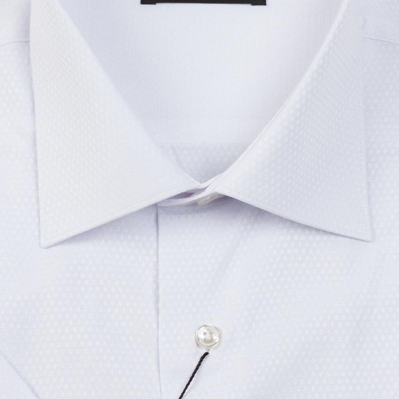 Рубашка белая с выделкой, с короткими рукавами, неприталенная