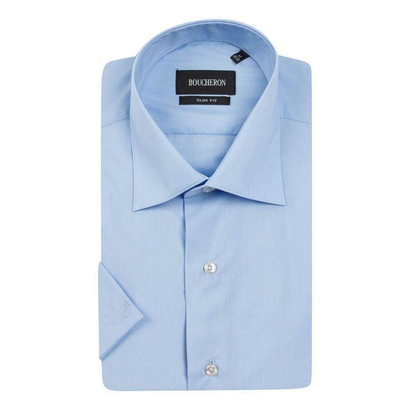 Рубашка светло-голубая с короткими рукавами приталенная