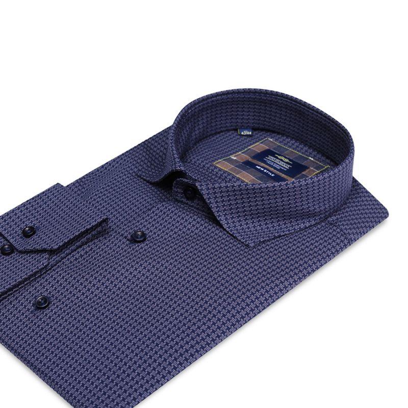 Синяя рубашка в гусиную лапку полуприталенная