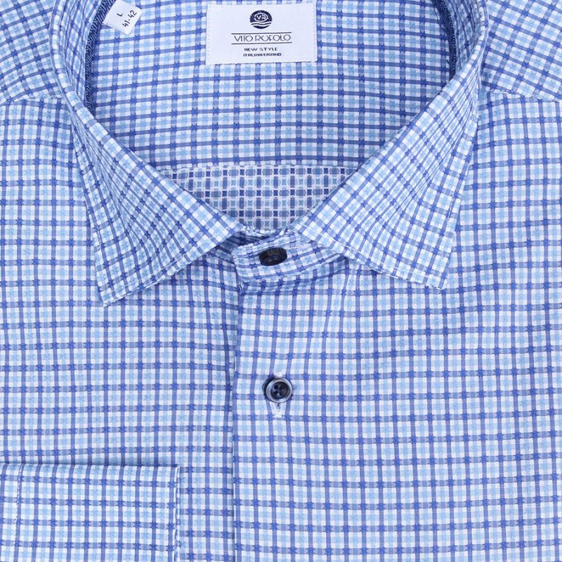 Рубашка голубая в клетку полуприталенная