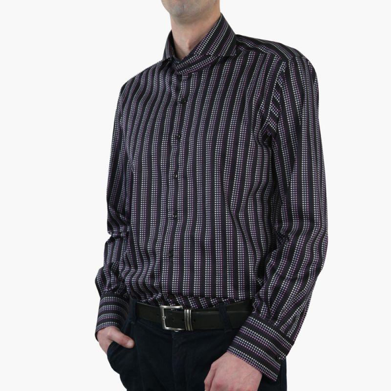 Рубашка чёрная с рисунком приталенная, удлинённая