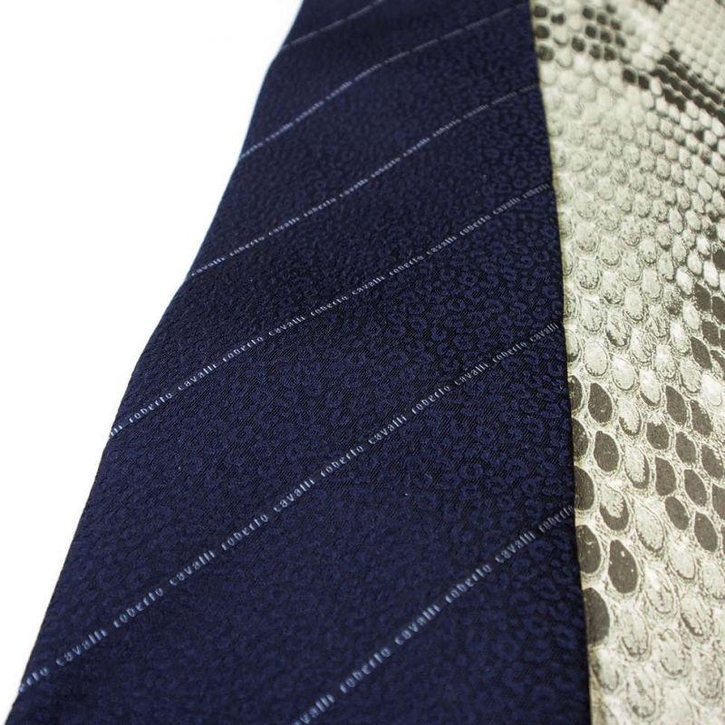 Тёмно-синий галстук с тонкой полоской логотипа Roberto Cavalli